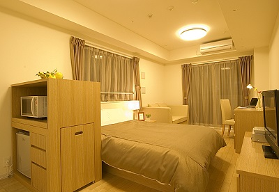 Duplex Ginza Tower 7/10 is located just one minute away from the main street called Chuo-Dori which have many attractive shops and restaurants.Ginza is well known as luxury and gorgeous area. Also it
