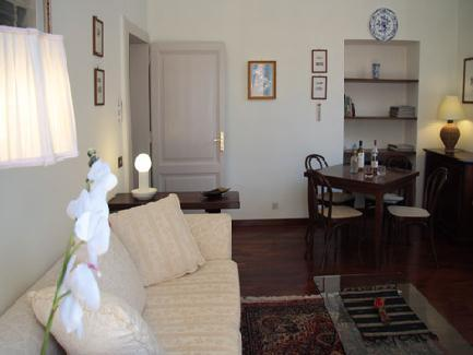 This 90-sq.mt two bedroom apartment sleeping up to 6 persons is located on the second floor of a period building (with elevator) dating back to the early XIX century steps from piazza Fiume and via Ve