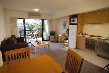 The purpose built one & two bedroom fully equipped apartments offer all the guest services Quest is renowned for including pantry shopping, valet dry cleaning, restaurant charge back and secretarial s
